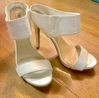 White Peep toe pumps size 8.5 Virginia Beach, 23453