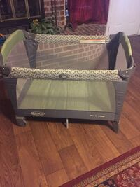 baby's black and gray Graco pack n play Fort Worth, 76137