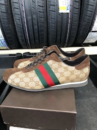 pair of brown Gucci low-top sneakers Chantilly, 20151