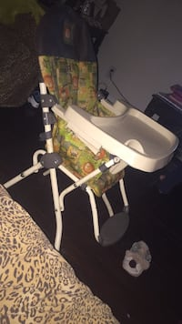 baby's white and green swing chair Baltimore, 21229