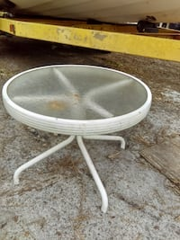 Outdoor or indoor Small White aluminum Glass top side Table
