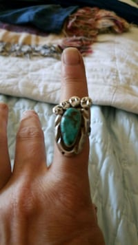 Vintage sterling and turquoise Navajo ring Bend, 97702