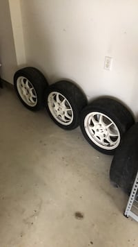 chrome 5-spoke car wheel with tire set Harpers Ferry, 25425