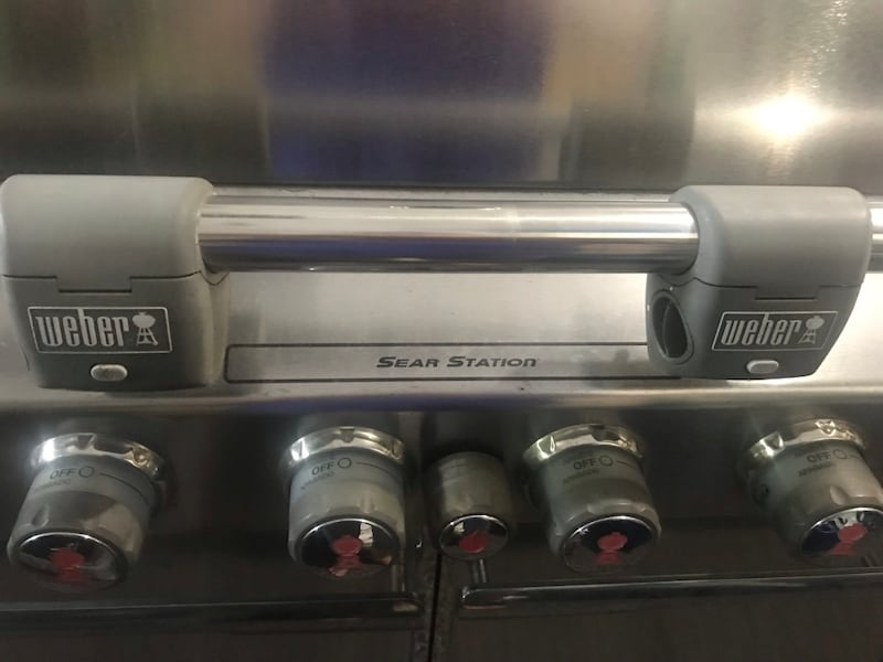 Weber Summit gas grill with rotisserie and side burner. Best Offer 24feffd2-f316-40a7-8b5b-658d2569ef5d