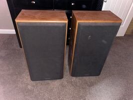 Speaker and receiver set