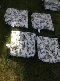 4 out door chair cushions like new West Deptford, 08086