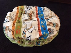 Woof!  Comfy critters pet bed *INTERNET SPECIAL*