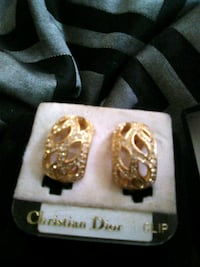 Christian Dior Gold earings Norfolk, 23502