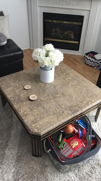 WANT GONE Coffee and matching end table Guelph, N1E 7H6
