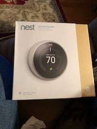 Nest learning thermostat  Reston, 20191