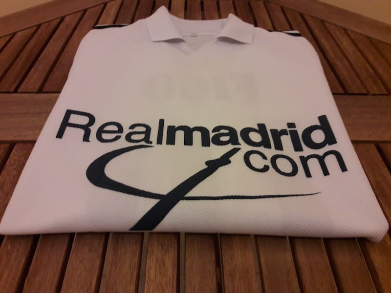 Real Madrid Forma 16116000-c6f1-484c-90be-6ce9115ee1e0