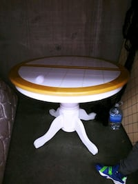 Cute round table Nashville, 37138