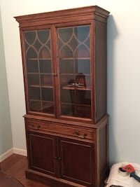 Dining Room hutch, great condition Port Coquitlam, V3C 6K7