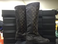 paio di stivali alti Louis Vuitton Monogram Canvas Milano, 20157