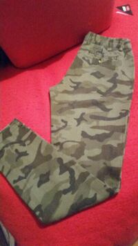brown and black camouflage pants size 5 Calgary, T2H 0G3
