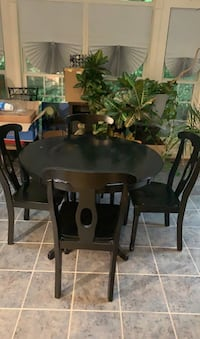 Black diner table set w/ 4 chairs Upper Marlboro, 20735