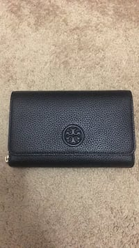 """Tory Burch"" brand new black leather cross body Parkland, 33076"