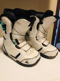 Snowboard boots - men size 7 3116 km
