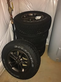 Jeep 75th Anniversary with TPMS UNDER 500mi 17-inch wheels with 245/75 tires Frederick, 21702
