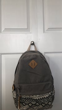 Super cute grey and white back pack Surrey, V3S 1S8