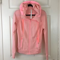 New Pink Lululemon Hoodie Size 8 Toronto, M9A 4Y5