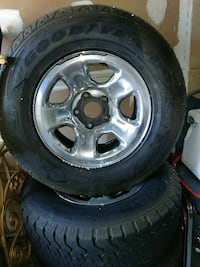 Size 17 inch rims and tires Tampa, 33619