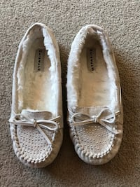 Air walk flats size 7 London, N5Y 4V4