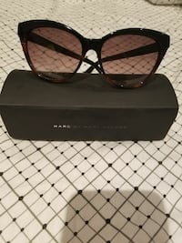 black-framed Marc by Marc Jacobs sunglasses Toronto, M1S 2P1