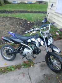 Ssr 125cc 4 speed manual dirtbike  577 mi