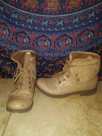 pair of brown leather boots Lake Elsinore, 92532