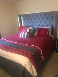 King tufted bed w/ mattress