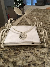 Super Cute Napkin Holder - SW AREA Bakersfield, 93311