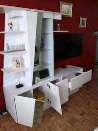 Stylish Living Room Shelf with Center and Coffee table.  Montréal, H8N 1W6