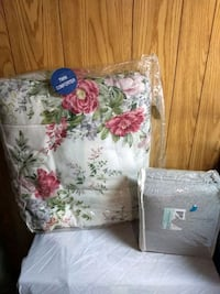 Twin comforter and sheets