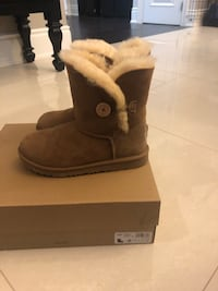 New girls UGG boots - Brown King, L7B 0A4