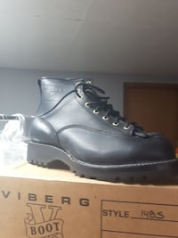 men's unpaired black leather work boot with box