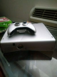white Xbox 360 game console with controller West Hartford, 06119