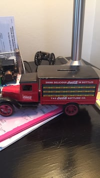COCA COLA TOY DELIVERY TRUCK CAST IRON
