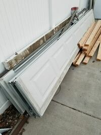 Garage door very good condition working perfectly