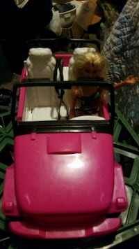 Barbie jeep & free barbie car Silver Spring, 20906