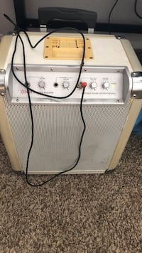Boom box, Works really good comes with the aux cord and charger cord Charlotte, 28212