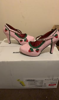 Strawberry Shoes size 8