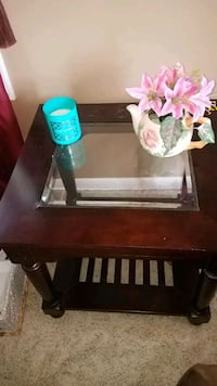 End table. Glass middle Syracuse, 13206