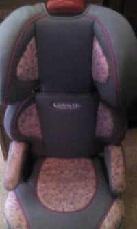 baby's black and gray Graco car seat