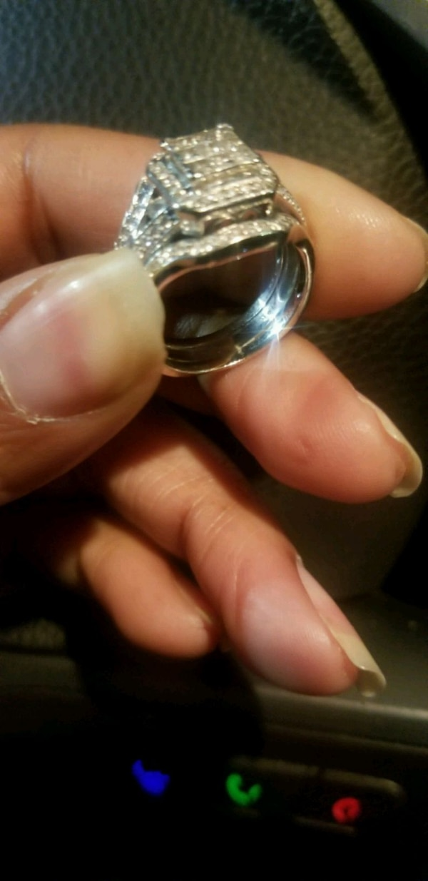 Wedding Rings and Bands  01523e80-ad23-4b1f-b91d-04fa49d09a97