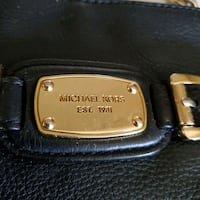 ???? %100 authentic Michael Kors crossbody purse