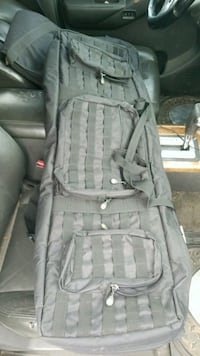 Multi-Rifle carry case.  Like new condition.