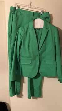 Newyork and Company pant suit - green