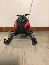 Red Polaris 800 RC car comes with snow ski as well  Plum, 15239