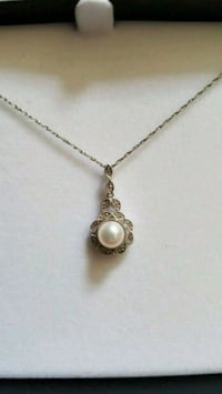 Silver and pearl vintage necklace  Douglasville, 30134